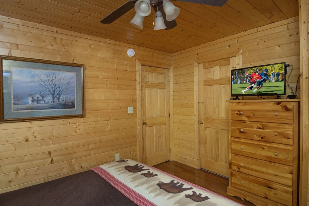 Photo of a Sevierville Cabin named  Simply The Best - This is the fortieth photo in the set.