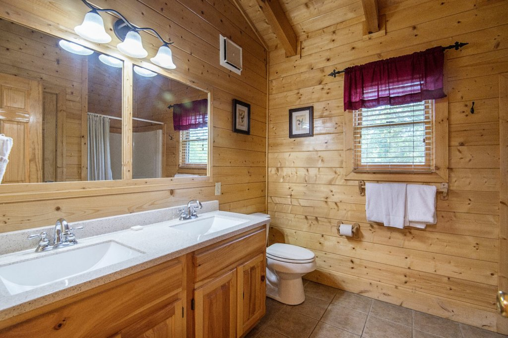 Photo of a Sevierville Cabin named  Mountain Majesty - This is the fortieth photo in the set.
