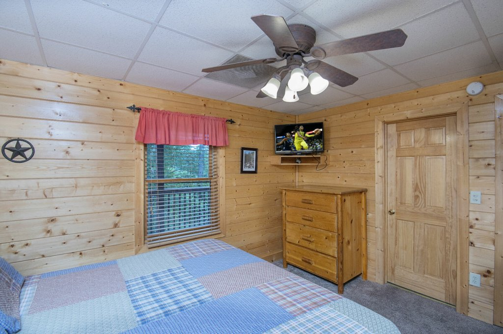 Photo of a Sevierville Cabin named  Mountain Majesty - This is the forty-seventh photo in the set.