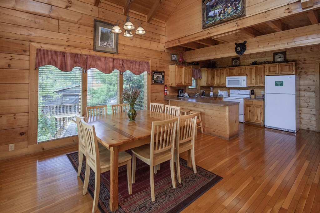 Photo of a Sevierville Cabin named  Sweet Escape - This is the fifth photo in the set.