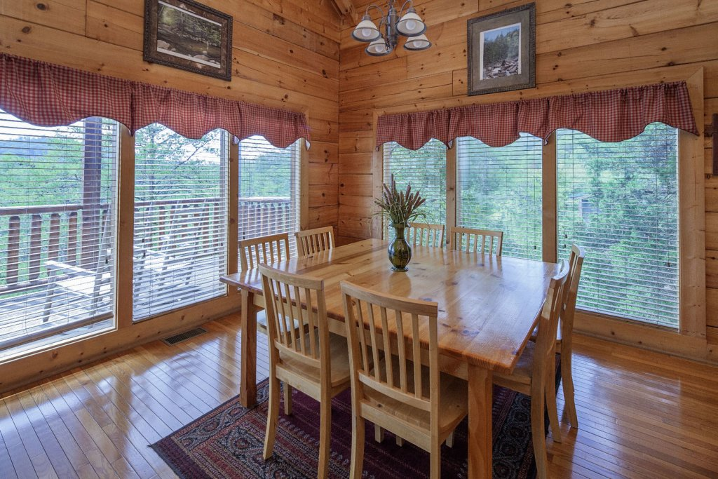Photo of a Sevierville Cabin named  Sweet Escape - This is the sixth photo in the set.