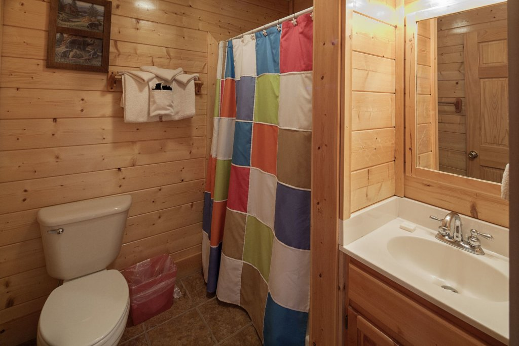 Photo of a Sevierville Cabin named  Sweet Escape - This is the twenty-second photo in the set.