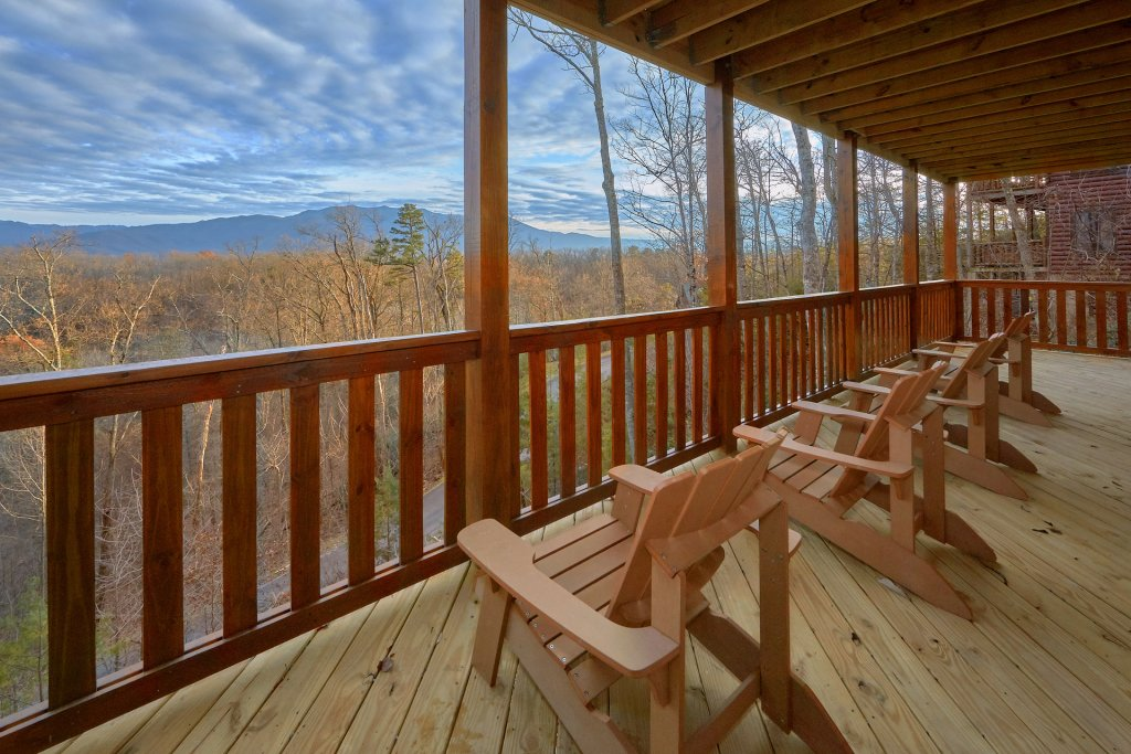 Photo of a Gatlinburg Cabin named Legends Pool Lodge - This is the fifteenth photo in the set.