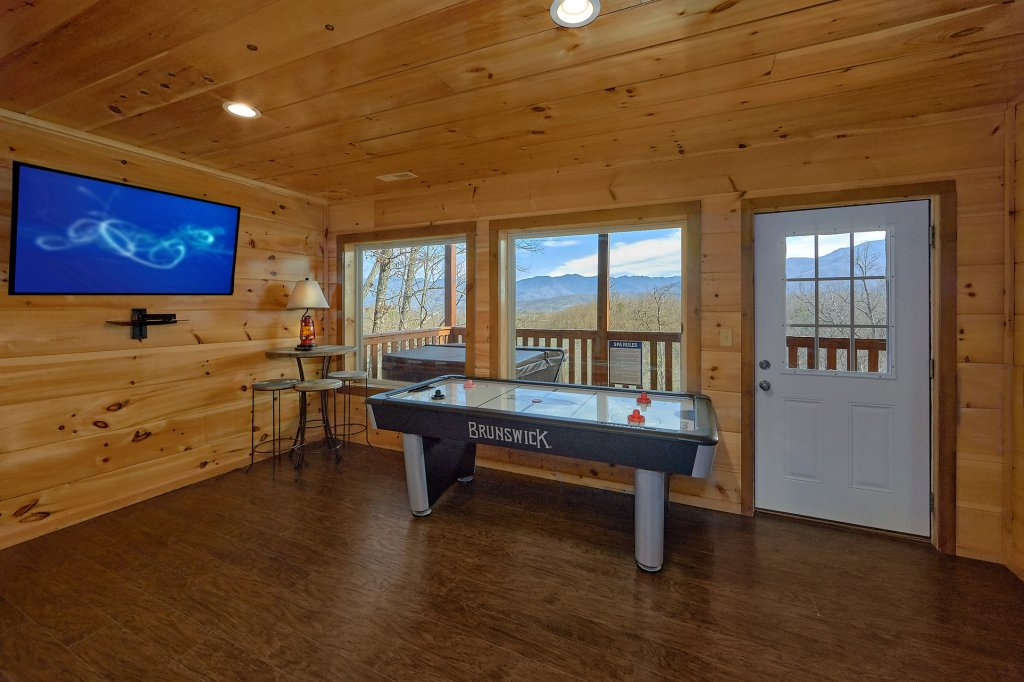 Photo of a Gatlinburg Cabin named Legends Pool Lodge - This is the eighth photo in the set.