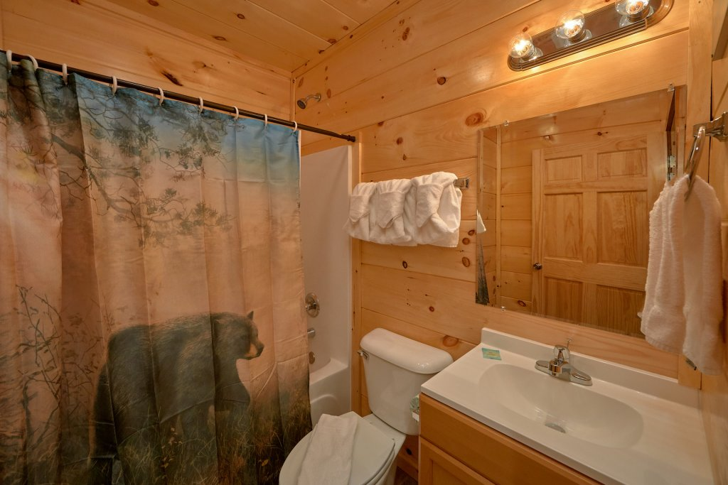 Photo of a Gatlinburg Cabin named Legends Pool Lodge - This is the thirty-fifth photo in the set.