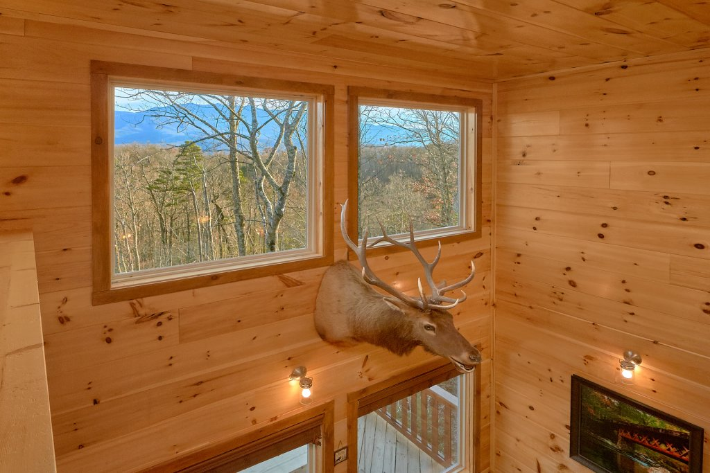 Photo of a Gatlinburg Cabin named Legends Pool Lodge - This is the thirty-sixth photo in the set.