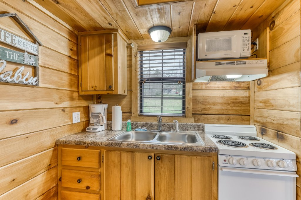 Photo of a Sevierville Cabin named Homes Away From Home - This is the nineteenth photo in the set.