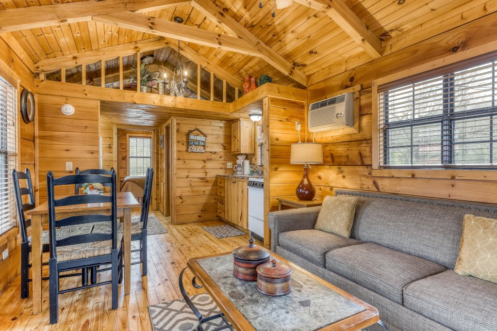 Photo of a Sevierville Cabin named Homes Away From Home - This is the thirty-eighth photo in the set.