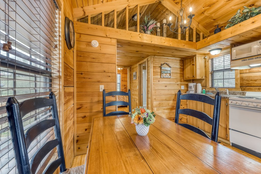 Photo of a Sevierville Cabin named Homes Away From Home - This is the seventeenth photo in the set.