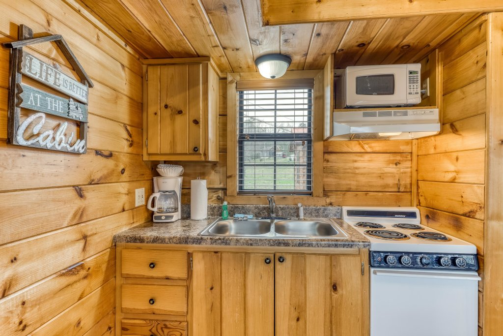 Photo of a Sevierville Cabin named Homes Away From Home - This is the forty-first photo in the set.