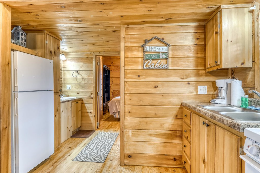 Photo of a Sevierville Cabin named Homes Away From Home - This is the twentieth photo in the set.