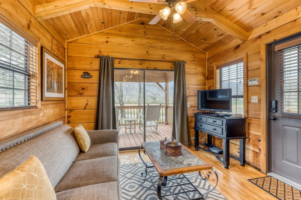 Photo of a Sevierville Cabin named Homes Away From Home - This is the fifty-second photo in the set.