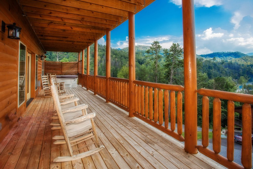 Photo of a Gatlinburg Cabin named Damron's Dream - This is the eighth photo in the set.