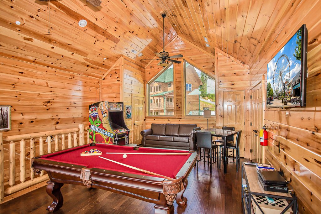 Photo of a Gatlinburg Cabin named Damron's Dream - This is the fifth photo in the set.