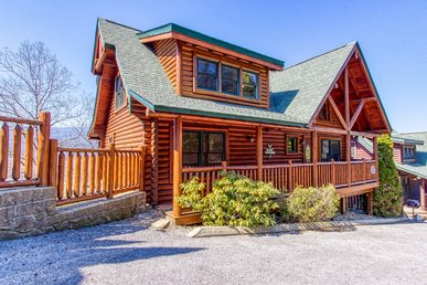 Pigeon Forge Log Cabin With Amazing Views, Pool Access, Video Arcade Games