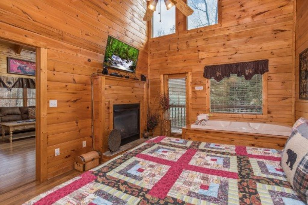 Photo of a Pigeon Forge Cabin named 5 Star Celebration - This is the eighth photo in the set.