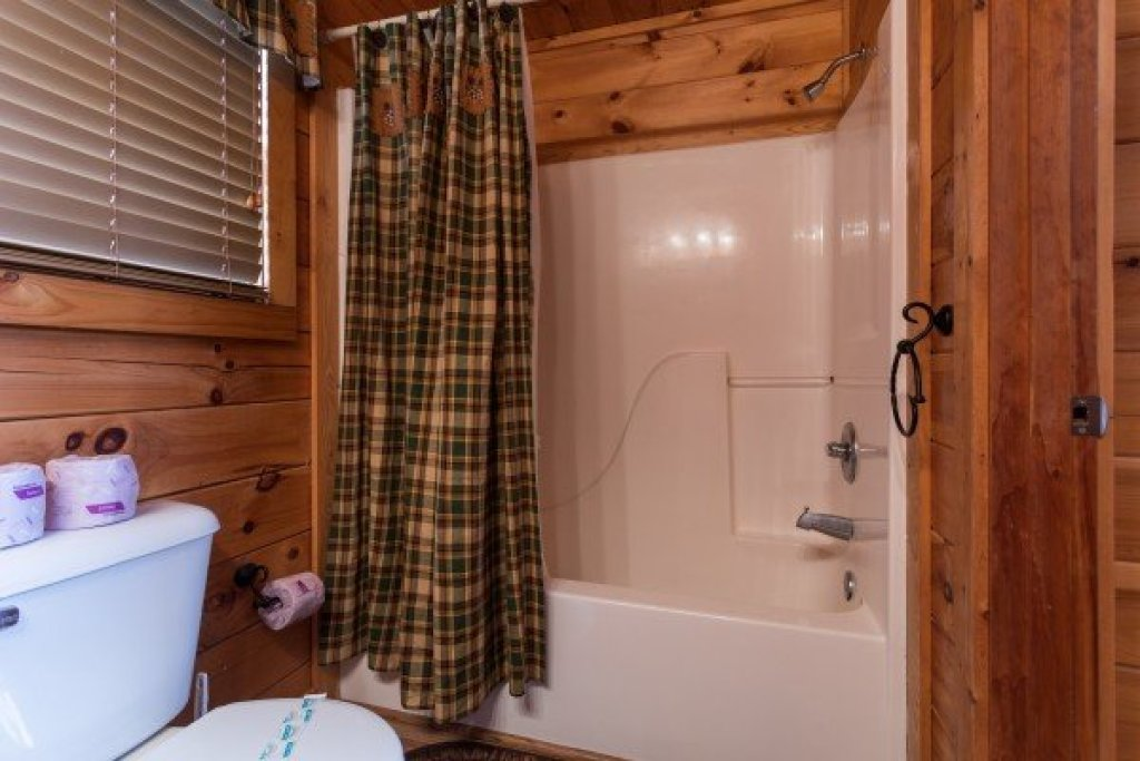 Photo of a Pigeon Forge Cabin named 5 Star Celebration - This is the tenth photo in the set.