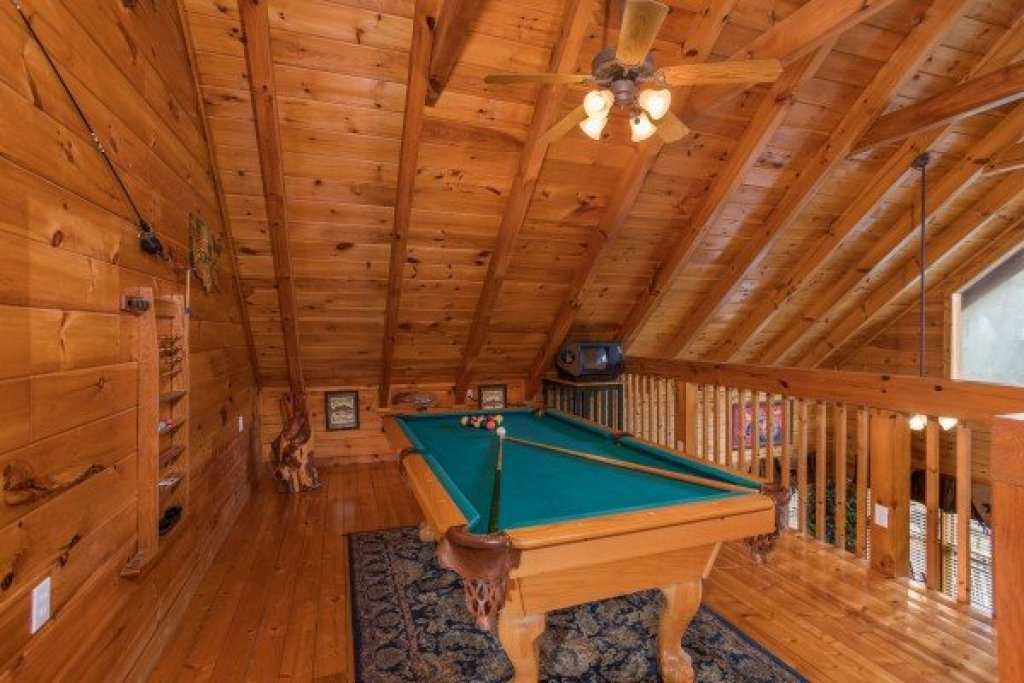 Photo of a Pigeon Forge Cabin named 5 Star Celebration - This is the fourteenth photo in the set.
