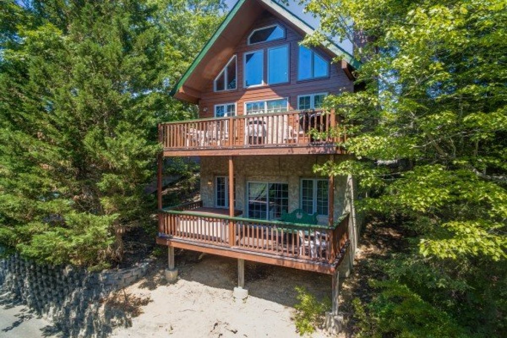 Photo of a Pigeon Forge Cabin named Ain't Misbehaven - This is the first photo in the set.