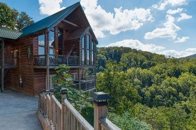Semi-secluded 4 Bedroom, 3.5 Bathroom Cabin With Incredible Mountain Views.
