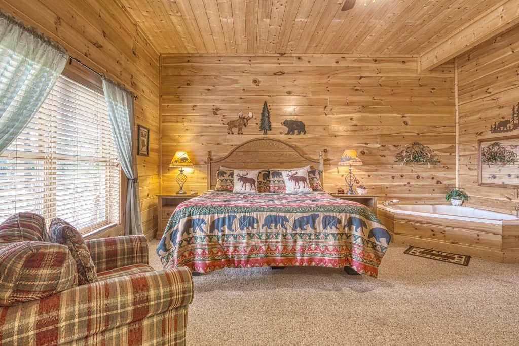 Photo of a Sevierville Cabin named Absolutely Wonderful #304 - This is the forty-fourth photo in the set.