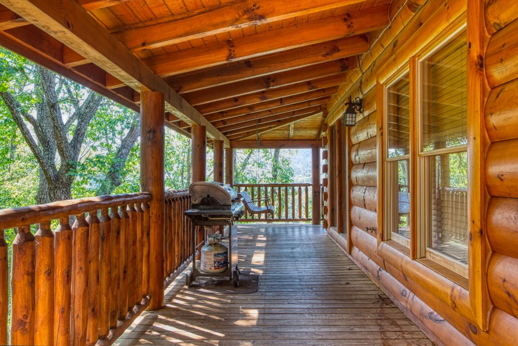 Photo of a Sevierville Cabin named Absolutely Wonderful #304 - This is the twentieth photo in the set.