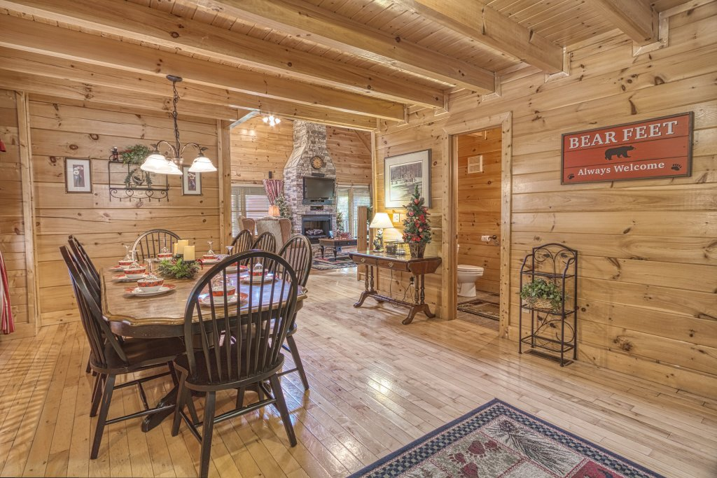 Photo of a Sevierville Cabin named Absolutely Wonderful #304 - This is the twenty-seventh photo in the set.