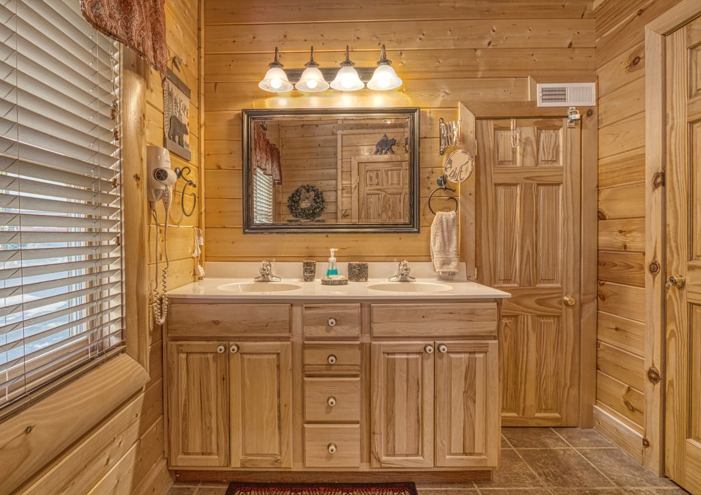 Photo of a Sevierville Cabin named Absolutely Wonderful #304 - This is the fortieth photo in the set.