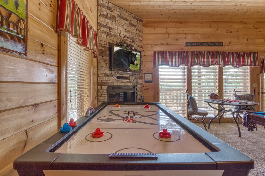 Photo of a Sevierville Cabin named Absolutely Wonderful #304 - This is the forty-first photo in the set.