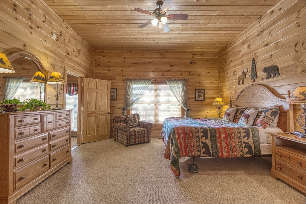 Photo of a Sevierville Cabin named Absolutely Wonderful #304 - This is the forty-eighth photo in the set.