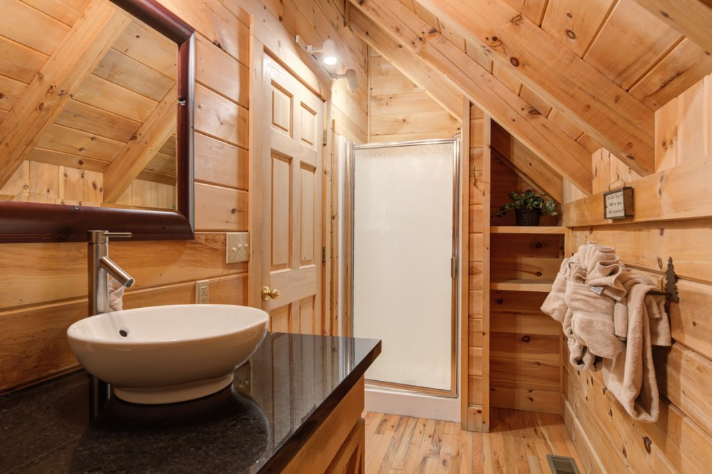 Photo of a Sevierville Cabin named Angel's View #30 - This is the twenty-second photo in the set.