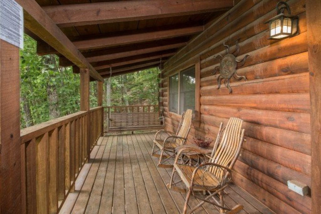 Photo of a Sevierville Cabin named Bear Mountain - This is the eleventh photo in the set.