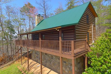 Secluded Gatlinburg Log Cabin With Incredible Views & Video Arcade Game Room!