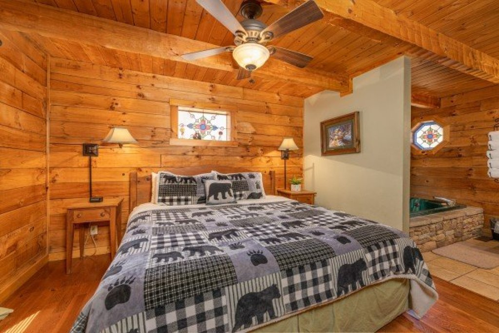 Photo of a Sevierville Cabin named Golden Memories - This is the eighth photo in the set.