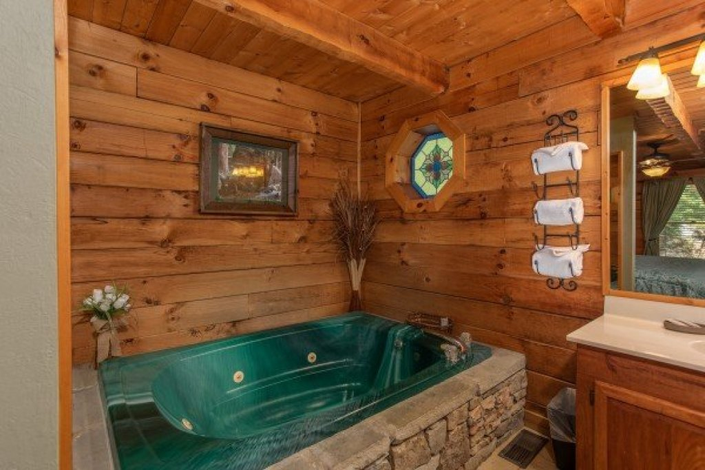 Photo of a Sevierville Cabin named Golden Memories - This is the tenth photo in the set.