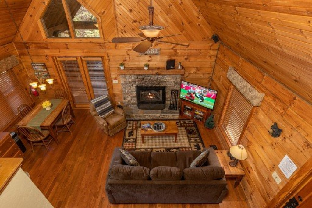 Photo of a Sevierville Cabin named Golden Memories - This is the twelfth photo in the set.