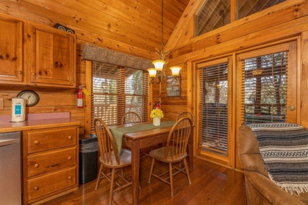 Photo of a Sevierville Cabin named Golden Memories - This is the fifth photo in the set.