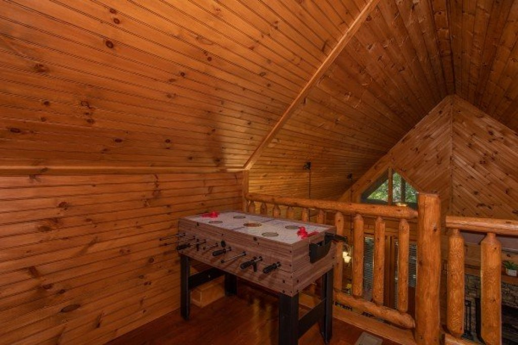Photo of a Sevierville Cabin named Golden Memories - This is the eighteenth photo in the set.