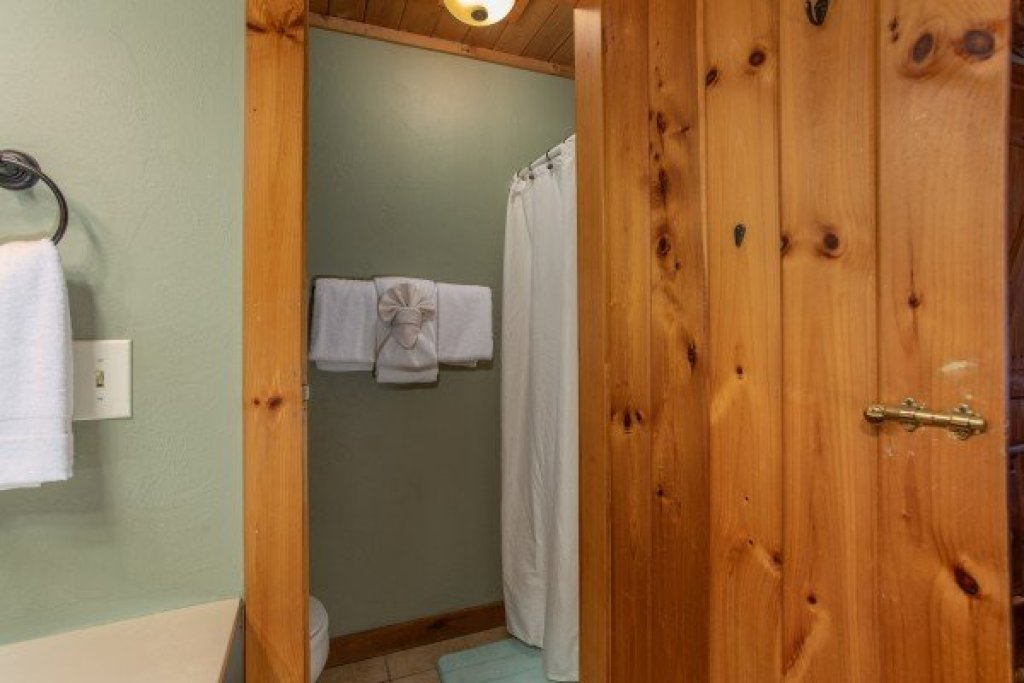 Photo of a Sevierville Cabin named Golden Memories - This is the eleventh photo in the set.