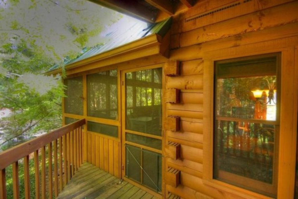 Photo of a Sevierville Cabin named Golden Memories - This is the nineteenth photo in the set.