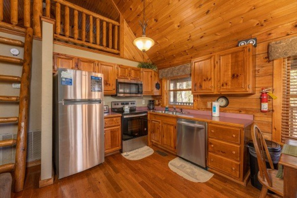 Photo of a Sevierville Cabin named Golden Memories - This is the seventh photo in the set.