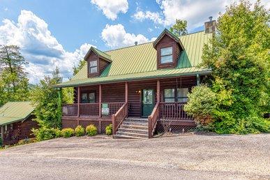 Arrowhead Log Cabin Resort: Papaw's Bear Den Cabin
