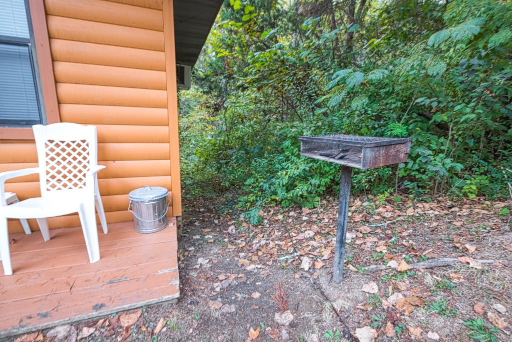 Photo of a Pigeon Forge Cabin named Bear Hugs Cabin - This is the sixteenth photo in the set.