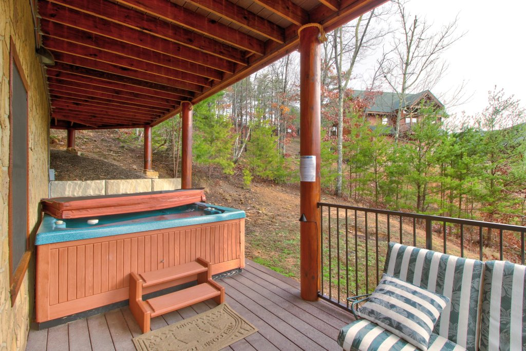 Photo of a Sevierville Cabin named Inspiration Point Cabin - This is the twenty-sixth photo in the set.
