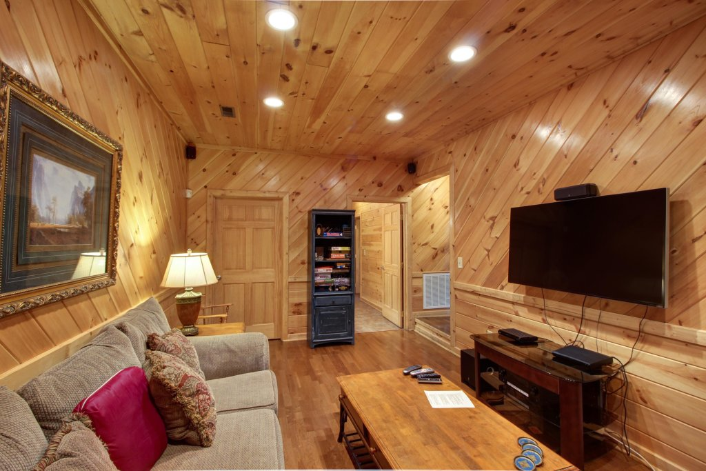 Photo of a Sevierville Cabin named Inspiration Point Cabin - This is the third photo in the set.