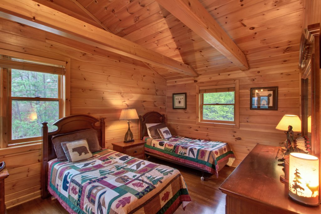 Photo of a Sevierville Cabin named Inspiration Point Cabin - This is the thirty-sixth photo in the set.