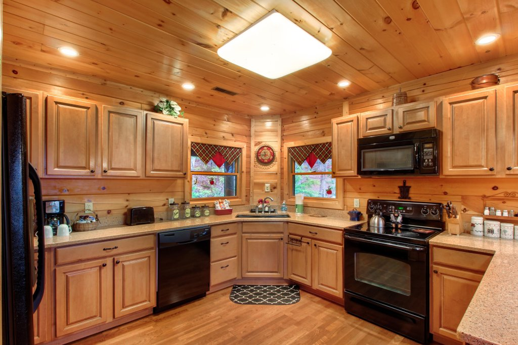 Photo of a Sevierville Cabin named Inspiration Point Cabin - This is the tenth photo in the set.