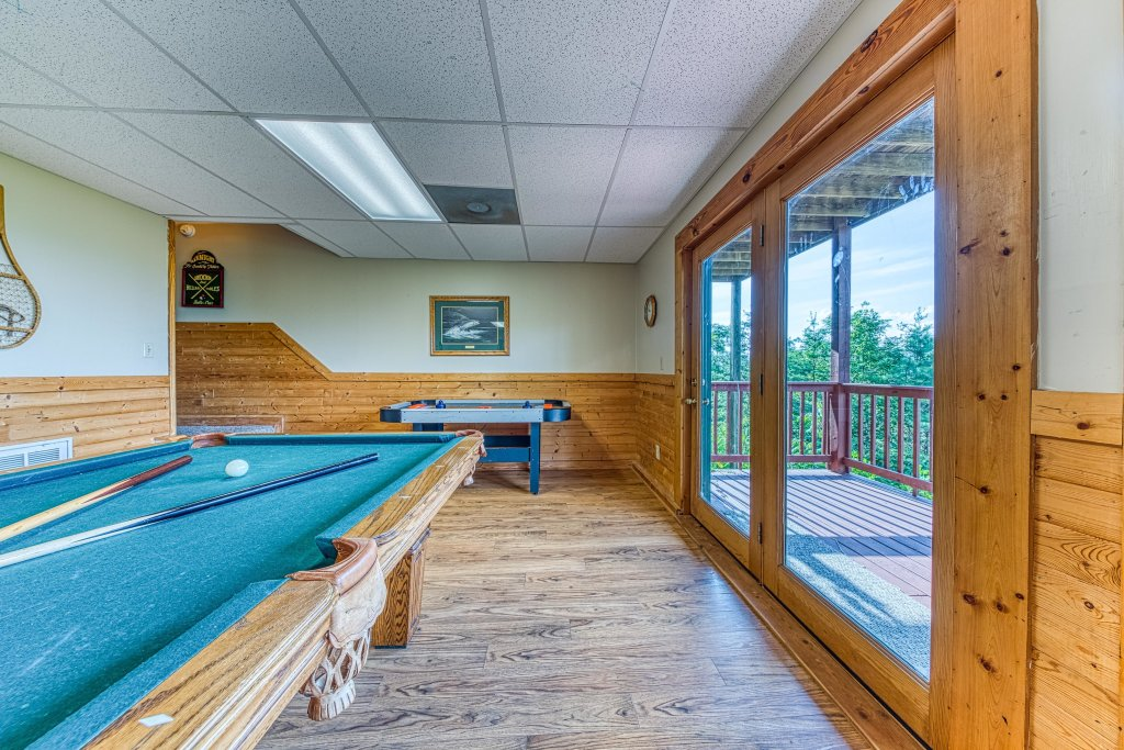 Photo of a Sevierville Cabin named A Point Of View Cabin - This is the eighth photo in the set.
