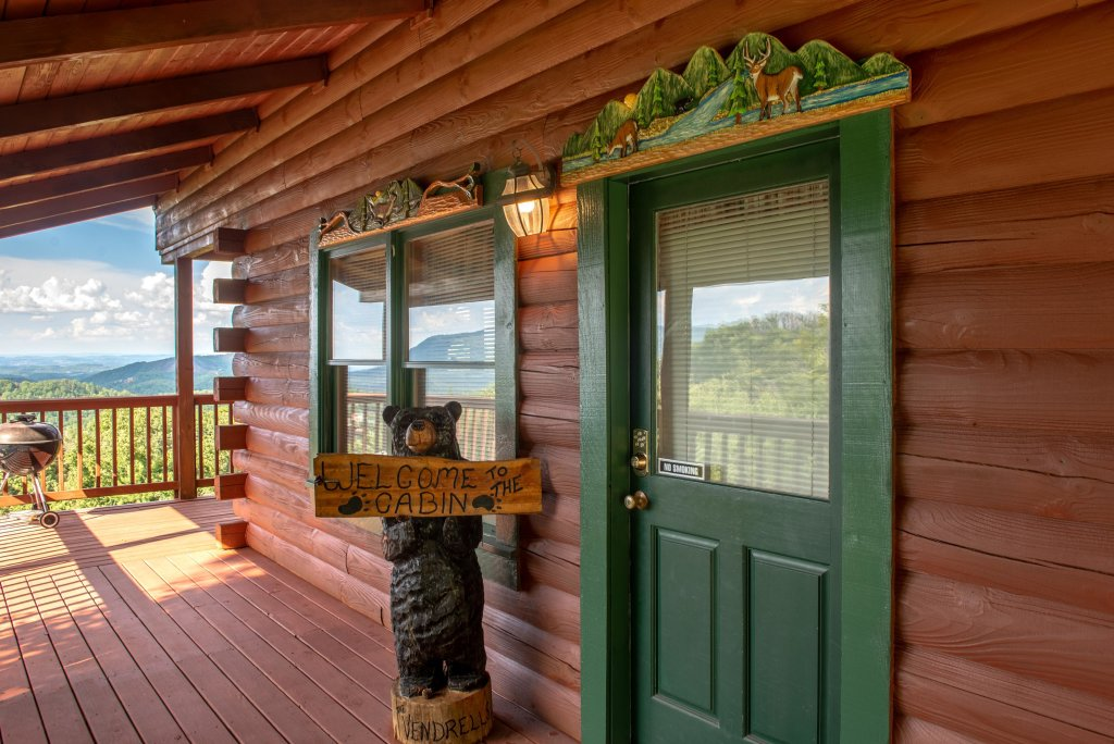 Photo of a Sevierville Cabin named A Point Of View Cabin - This is the third photo in the set.