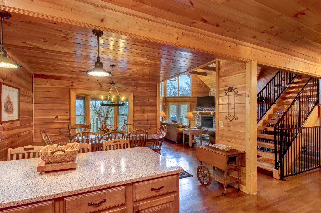 Photo of a Sevierville Cabin named Inspiration Point Cabin - This is the twelfth photo in the set.